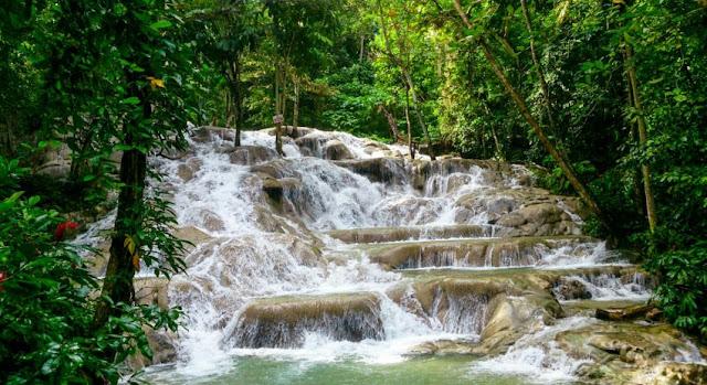 Succession de cascade à Ocho Rios