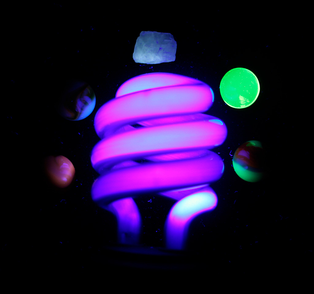 Blacklight Lamp Poppular Photography Uranium Glass Marble Christmas Tree