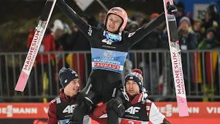 SALTOS DE ESQUÍ - David Kubacki se convierte en el tercer polaco que conquista el Cuatro Trampolines