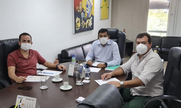 Prefeito Phellipe Brito articula linhas de crédito para empreendedores de Ituaçu