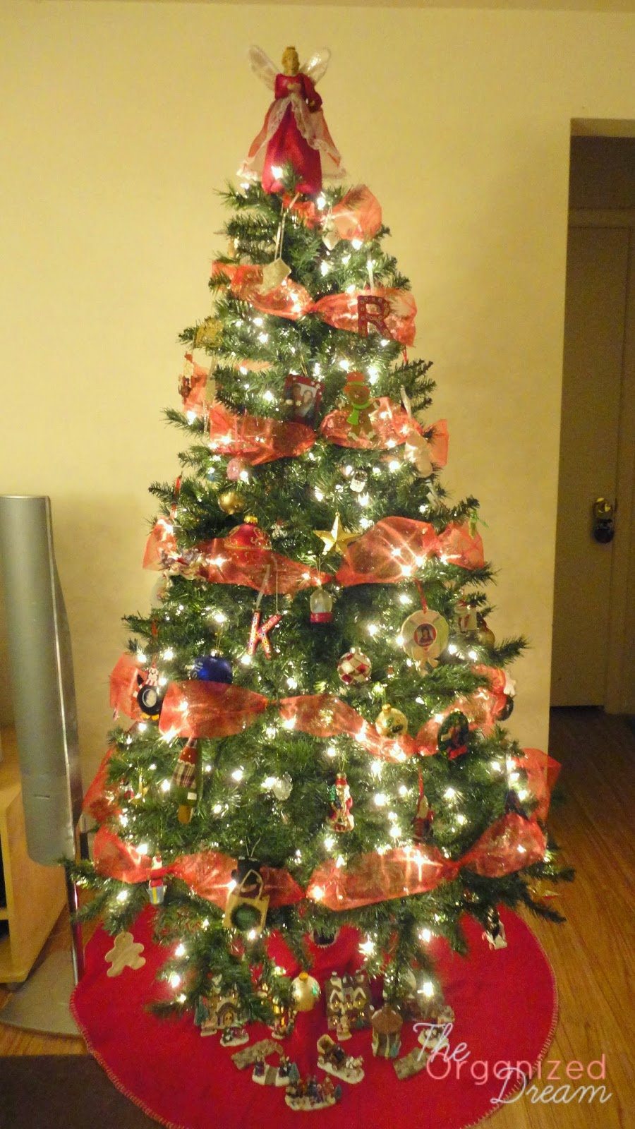 How To Decorate Christmas Tree With Poly Mesh Ribbon : How to decorate a christmas tree with wide mesh ribbon