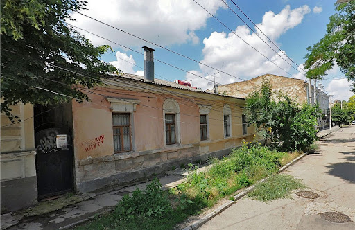 Дом №14 на улице Карла Либкнехта в Симферополе