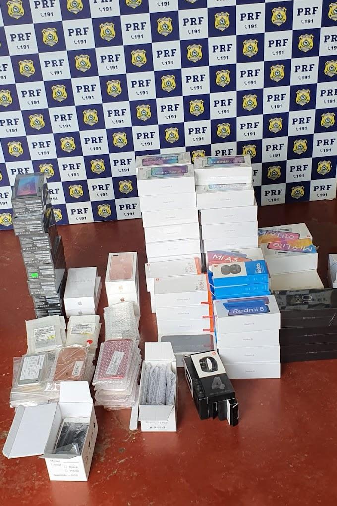 PRF prende homem com aparelhos Redmi Note e Iphones sem nota fiscal em Paulo Afonso