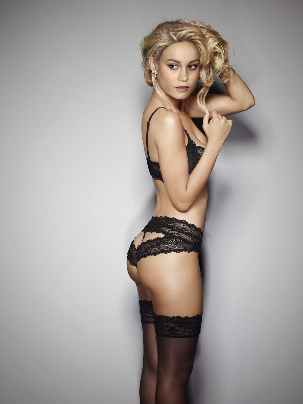 Brie Larson Hottest Photos in Bra, Lingerie
