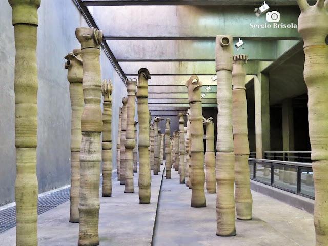Vista do Grupo escultórico Figuras - Estação Metrô Ana Rosa - São Paulo