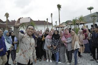 121 Mahasiswa Berprestasi Terima Beasiswa dari Pemkab Lumjaang