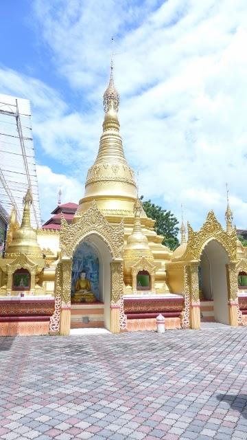 pat-foodtravel: Dharmikarama Burmese Temple (Penang)