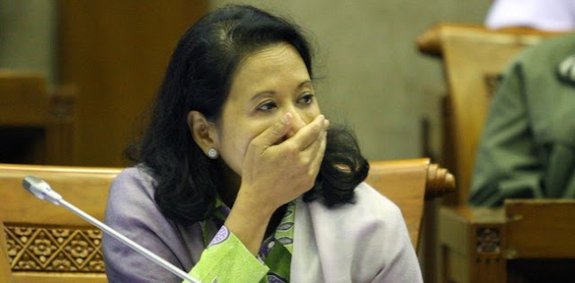 Mulai Besok, Rini Soemarno Diprediksi Mbalelo Pada Jokowi