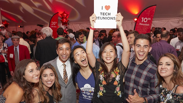 Tips For Holding Class Reunion