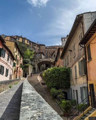 Cose da vedere a Perugia: L'Acquedotto Medievale. Luoghi belli per una gita o vacanza in Umbria.
