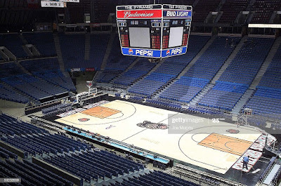 PHOTO OF memphis grizzlies pyramid arena inside