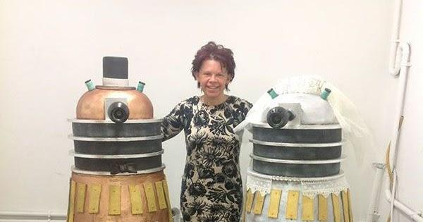 Thumbnail for [Life-Sized] Dalek [Wedding] Cake(s) of the Week