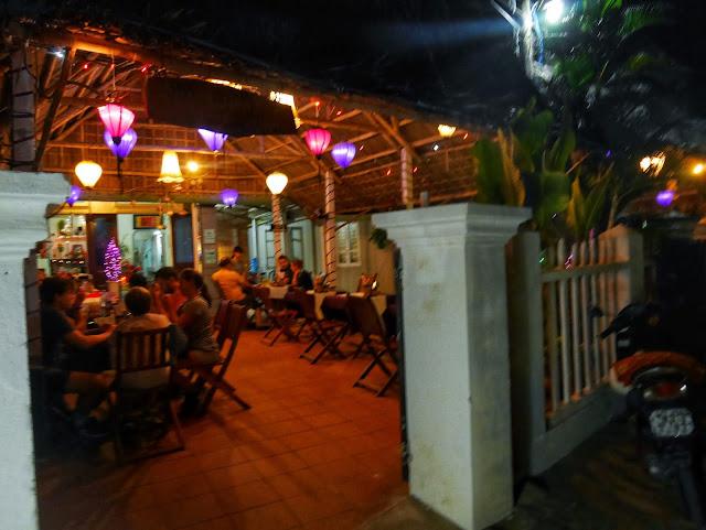 Purple Lantern restaurant Atmosphere