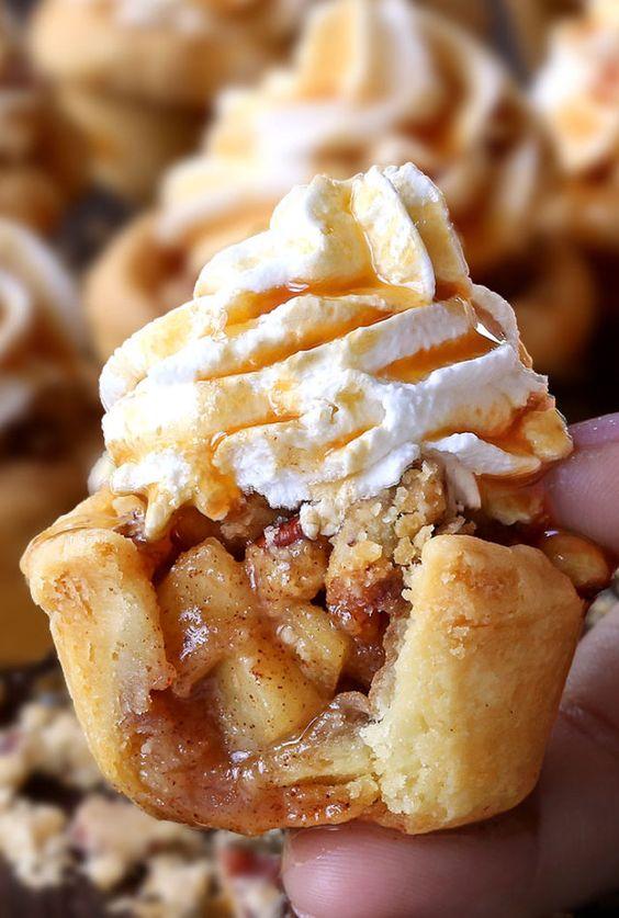 Apple Pie Cupcakes #recipes #baking #bakingrecipes #food #foodporn #healthy #yummy #instafood #foodie #delicious #dinner #breakfast #dessert #lunch #vegan #cake #eatclean #homemade #diet #healthyfood #cleaneating #foodstagram