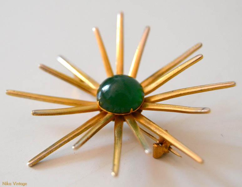 broche sol art deco antiguo dorado piedra verde