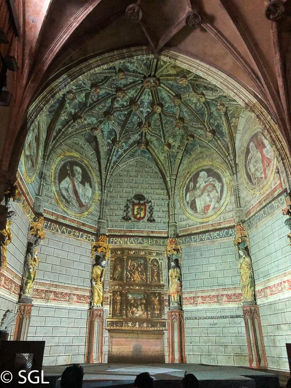 Portico de la luz. Catedral de Vitoria. Abierto por obras