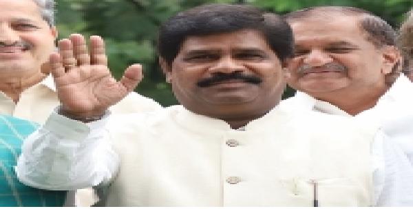 karnatka-me-mantri-nagesh-ne-istifa-diya-samarthan-vapas-liya