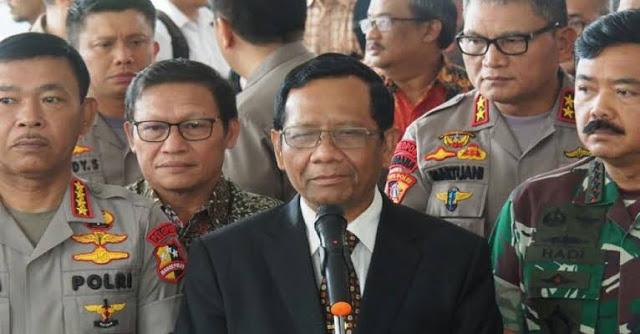 Andi Arief Minta Mahfud MD Berhenti Dengarkan Jenderal Tua yang Menyesatkan