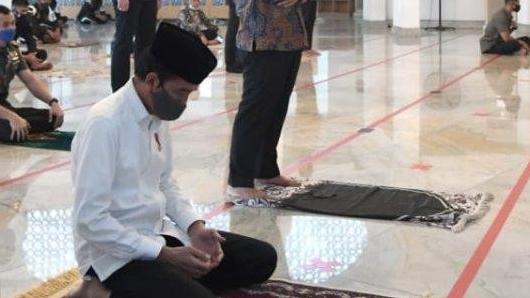 Pandemi di RI Kian Menjadi-jadi, Jokowi Minta Masyarakat Istighfar, Zikir, dan Taubat Kepada Allah SWT