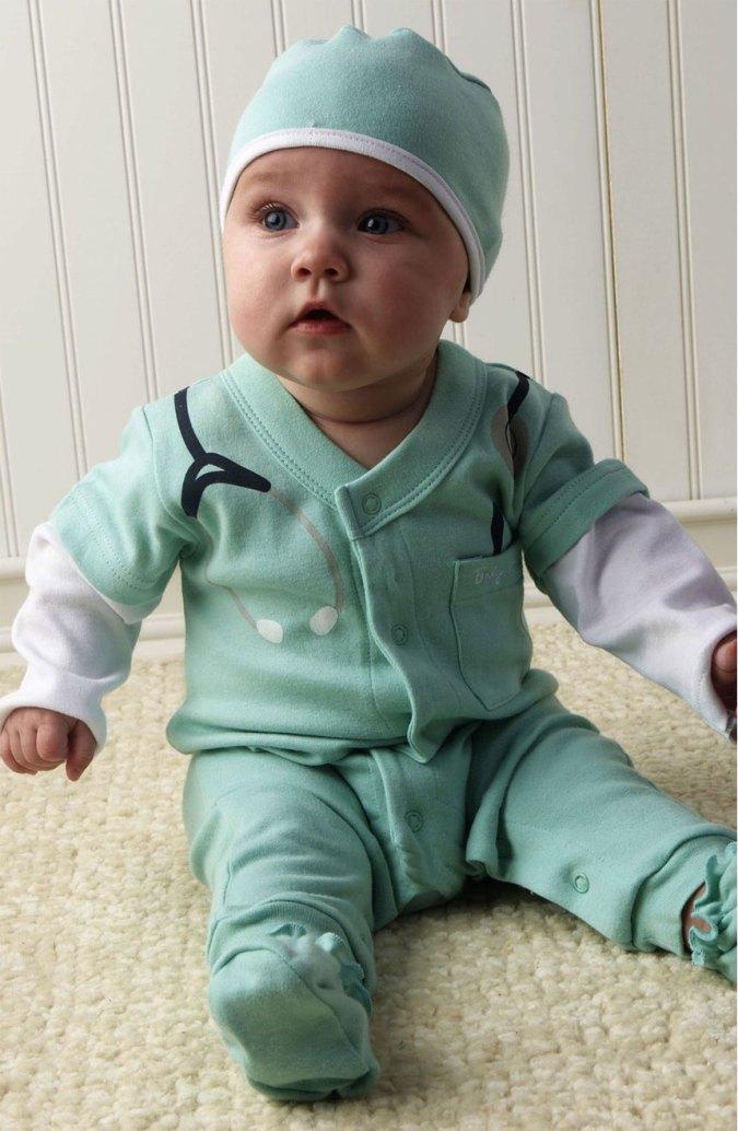Disfraz casero de médico para bebé low cost