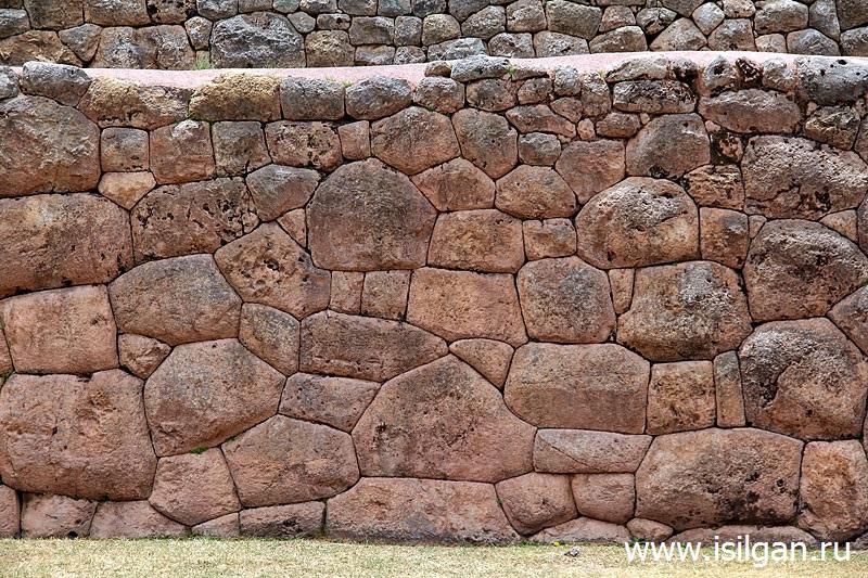 Puka-Pukara-Puca-Pucara-Svjashhennaja-Dolina-Inkov-Peru