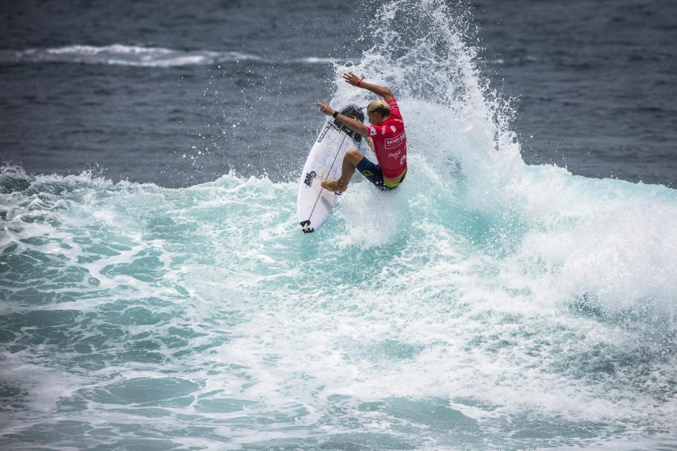 19 Ethan Ewing AUS Martinique Surf Pro foto WSL Poullenot Aquashot