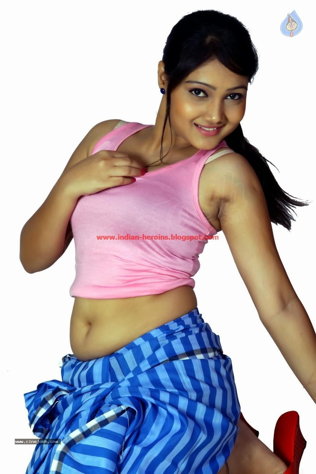 Telugu Tv Actress Priyanka Hot Navel And Boobs Showing -7003