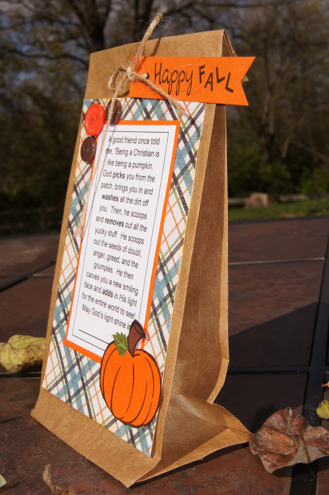 Like the Bunny Ear Bags we posted last week, these Paper Carrot Treat Bags are are a great alternative for holding candy this Easter. They're easy to make and can be put together in a matter of minutes. Hang them up as a surprise for your kiddos on Easter morning or add them to an Easter basket.