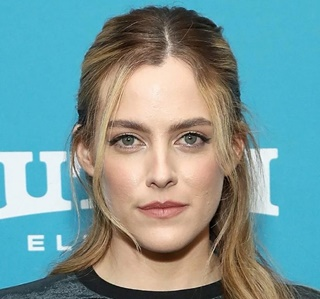 Riley Keough Biography, Age, Height, Husband, Family Children, Movies and TV Shows, Fact & More