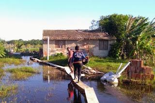http://vnoticia.com.br/noticia/4169-defesa-civil-prossegue-com-o-mapeamento-dos-locais-alagados-em-sfi
