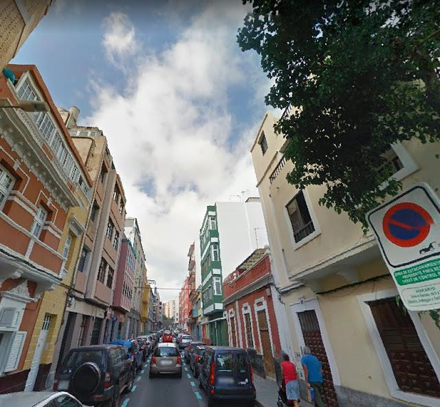 Una persona detenida tras encontrar dos personas muertas en la calle Italia