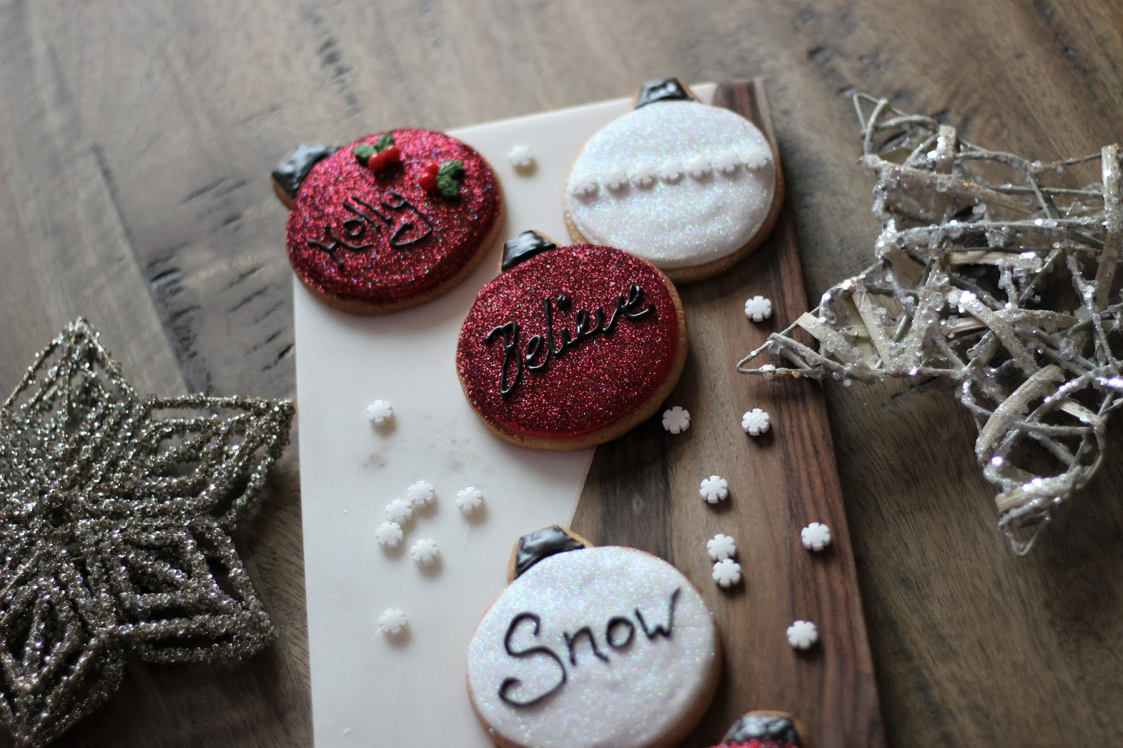 christmas-glitter-bauble-cookies