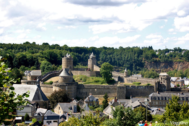 Vista panoramica del Castello di Fougeres