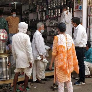 कोविड-19 गाईड लाईन का पालन नहीं करने पर आज भी तीन दुकानें सील