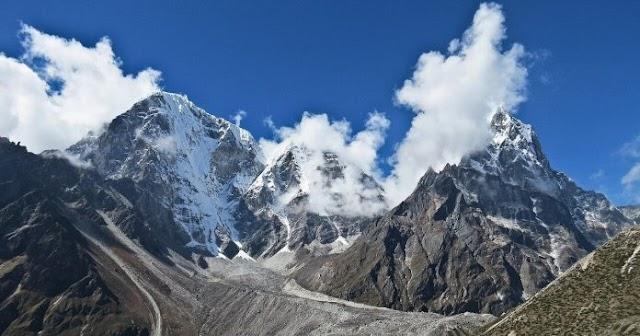 На вершинах Гималаев обнаружили углерод, ускоряющий таяние снега