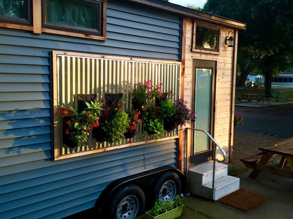St Petersburg Tiny House Featured on HGTV TINY HOUSE TOWN