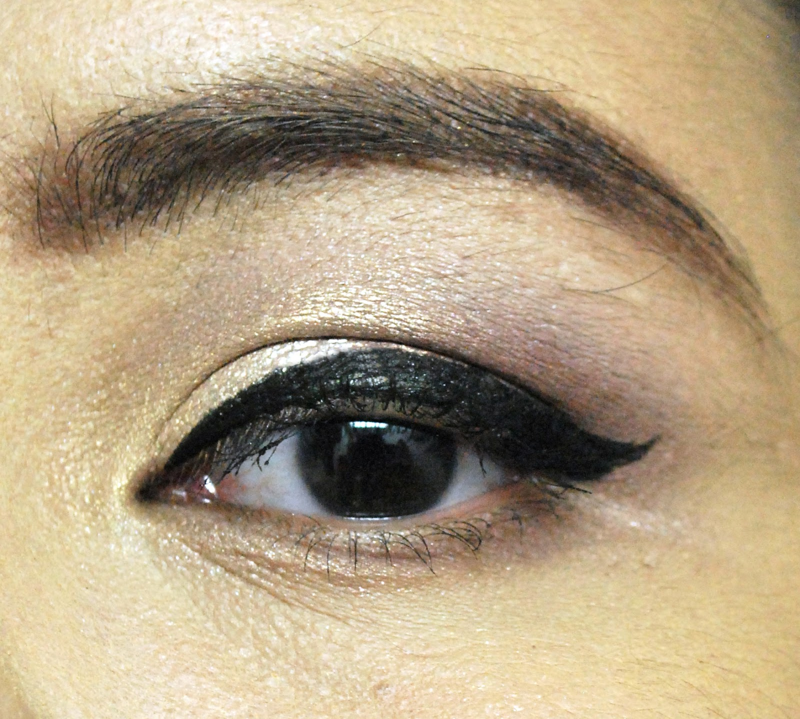 Peachy Pink Sisters Review Zoeva Cat Eye Pen In Blackest Black Bourjois Eyeliner Liner Stylo 61 Ultra I Just Love How It Is Its Not Too Matte And Glossy