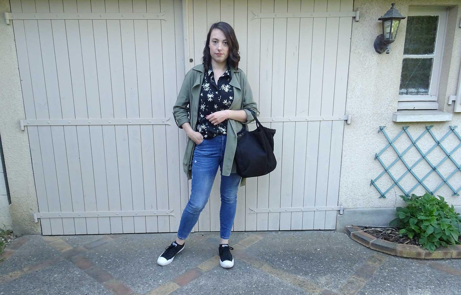 Look chemise fleurs jeans converse