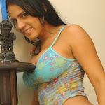 Andrea Rincon, Selena Spice Galeria 34 : Blue Jean Y Blusa Con Flores Foto 41