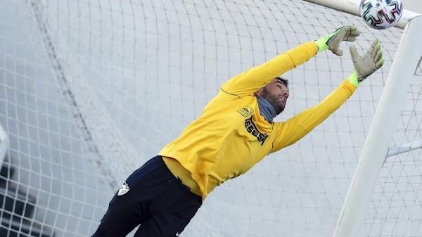 El Málaga realiza el último entrenamiento bajo el agua antes de medirse al Oviedo