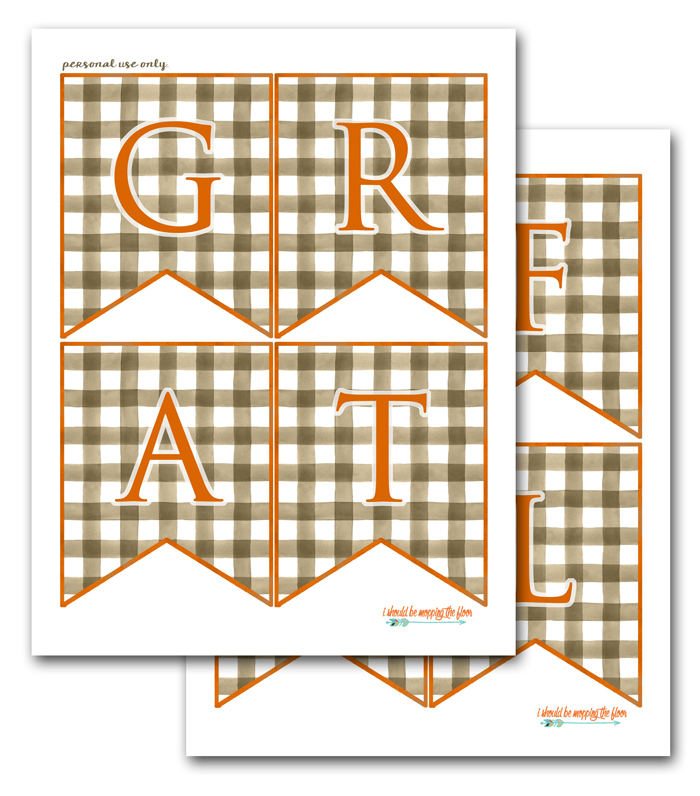 Free Printable Thanksgiving Banner | Grab this free buffalo check GRATEFUL banner for your fall decor.