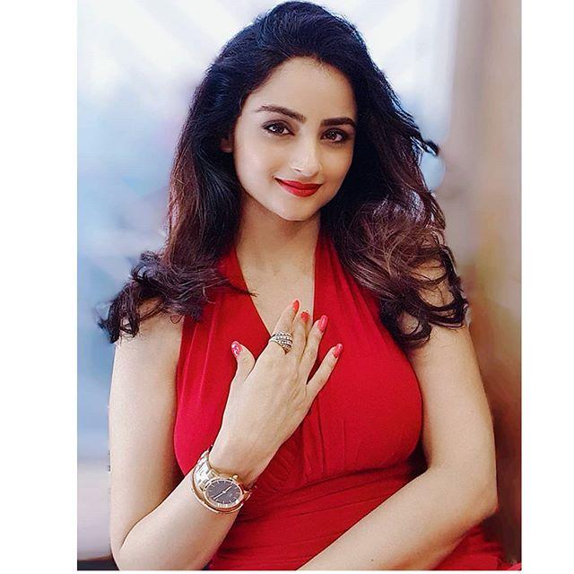 Madirakshi Mundle photos