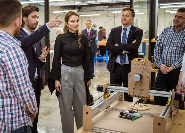 Queen Rania visited Fab Lab Irbid in Ar Ramtha and Offline Show held at the Jordan University for Science and Technology in Amman
