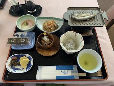 元湯東家の朝食