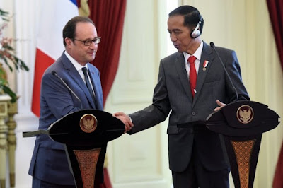 "President François Hollande and president Joko ""Jokowi"" Widodo."