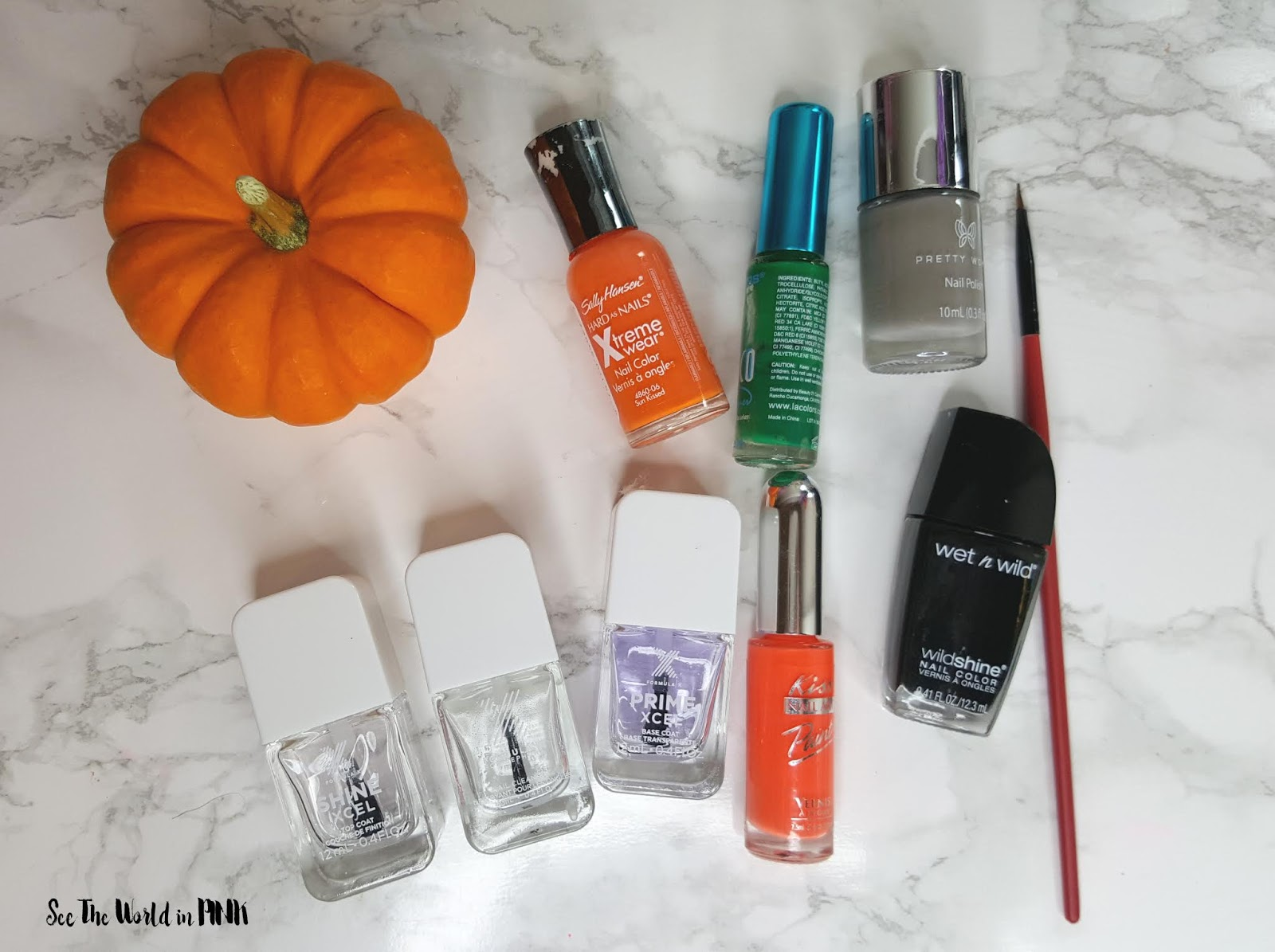 Manicure Monday - Pumpkin and Jack O' Lantern Nail Art