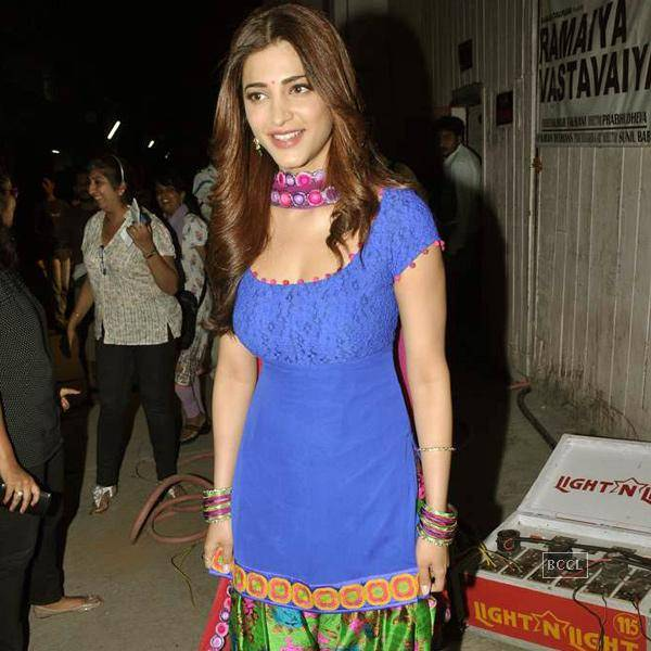 Shruti Haasan in Bue salvar kameez beautiful suit