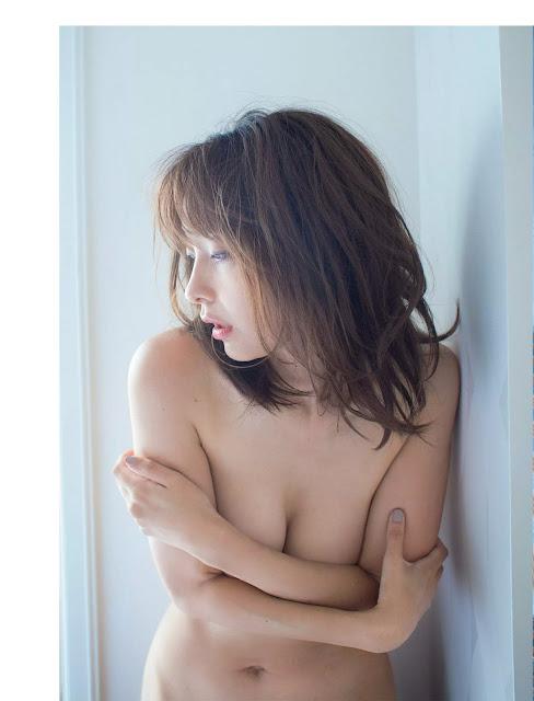 山崎真実 Yamasaki Mami FLASH October 2017 Images