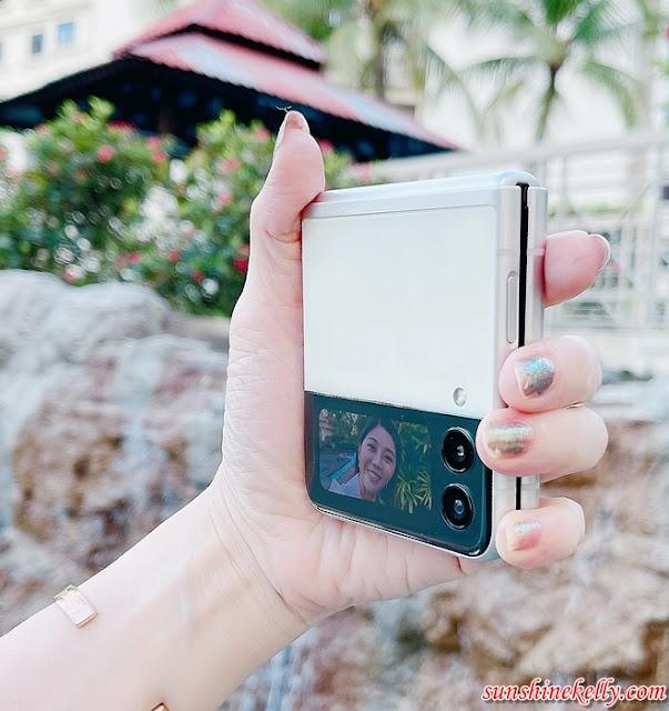 Galaxy Z Flip3 5G Review in Malaysia, Galaxy Z Flip3 5G Review, Samsung Galaxy Z Flip3, Samsung Malaysia, Flip Phone Review, Gadget, Lifestyle