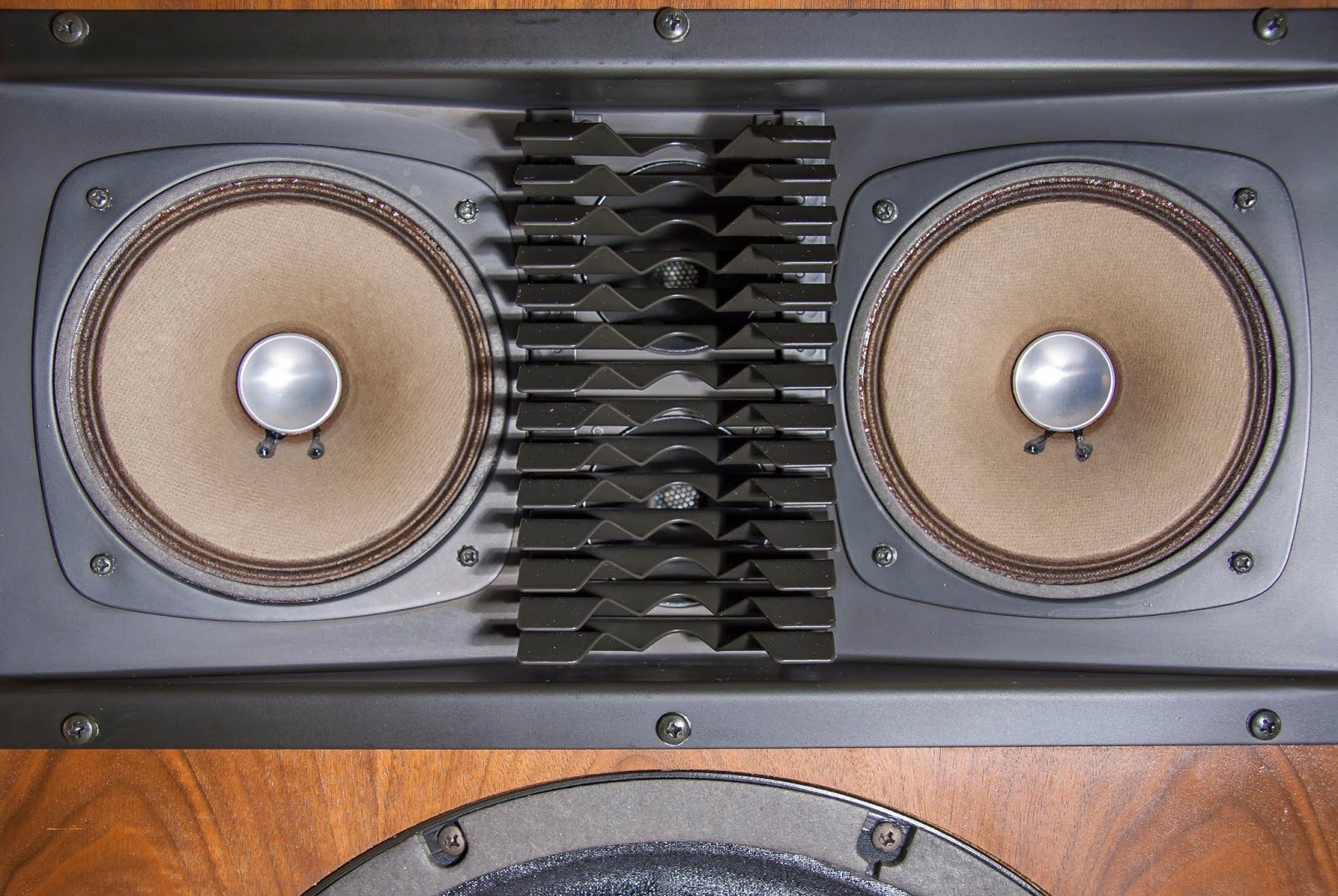 Golden Age Of Audio: Sansui SP-2500 Vintage Speakers
